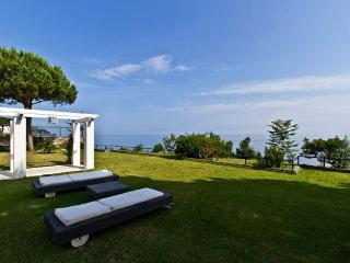 Bright 6 bedroom Casamicciola Terme Villa with Microwave - Casamicciola Terme vacation rentals