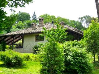 Lovely 4 bedroom Terni Villa with Internet Access - Terni vacation rentals