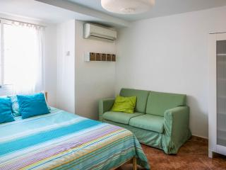 1 bedroom Bed and Breakfast with Internet Access in Torrent - Torrent vacation rentals