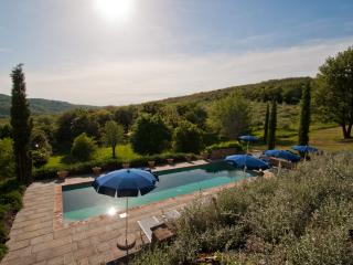 Holiday home with private pool , 12 pax, Toscana - Pieve A Presciano vacation rentals