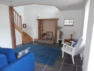 Lovely 1 bedroom Gite in Plevenon with High Chair - Plevenon vacation rentals