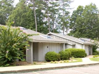 Greens One 2 bedroom, 2 bathroom condos. - Greens One, 2BR, Golf, Pool, Jacuzzi Tub, Kitchen - Bella Vista - rentals