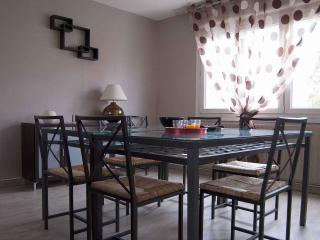 3 bedroom Gite with Internet Access in Bully-les-Mines - Bully-les-Mines vacation rentals