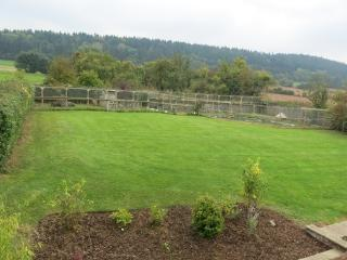 Perfect 4 bedroom Leominster Barn with Internet Access - Leominster vacation rentals