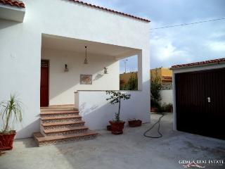 Villa few steps from tonnarella's beach - Mazara del Vallo vacation rentals