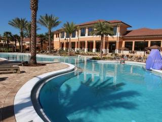 1900sq 4 BR/4BT, near Disney,Free WiFi,Water Slide - Orlando vacation rentals
