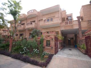 8 bedroom Guest house with Internet Access in Jodhpur - Jodhpur vacation rentals