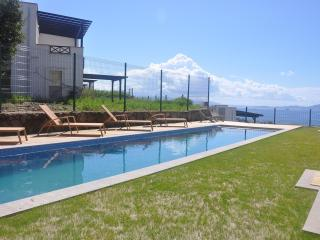 Perfect Villa with Deck and A/C - Turgutreis vacation rentals