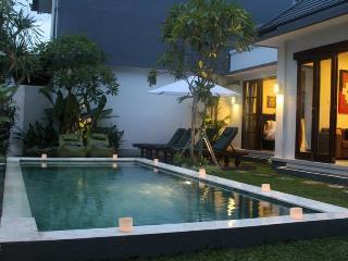 o2, Luxury 2BR Villa, Extra Spacious, Seminyak - Seminyak vacation rentals