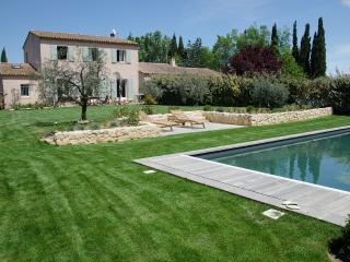 Campagne, piscine, 5km du centre - Aix-en-Provence vacation rentals