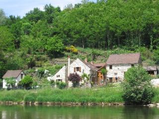 chambres et table d'hotes la chouvignotte - Chouvigny vacation rentals