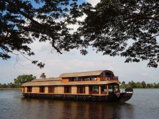 Gokul cruise houseboats - Alappuzha vacation rentals