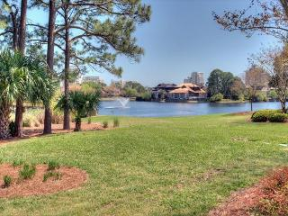 Take the family to the Beach for Thanksgiving ! Free Shuttle included. - Sandestin vacation rentals