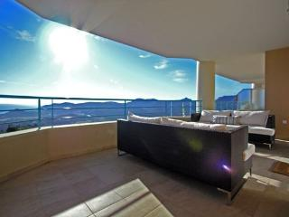 Lovely new apartment with fantastic views - Mandelieu La Napoule vacation rentals