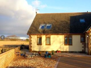Lovely Cottage with Internet Access and Linens Provided - Aberdare vacation rentals