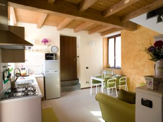 1 bedroom Bed and Breakfast with Internet Access in Gorgonzola - Gorgonzola vacation rentals
