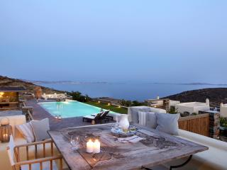 Diles & Rinies 3 Bedr. Villa in Tinos - Tinos vacation rentals