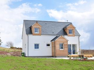 Tigh Roisin - 3 bedroom cottage in Isle of Skye - Ardelve vacation rentals