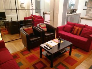 Paris is Always a Good Idea 1BR Rue St-Dominique - Paris vacation rentals