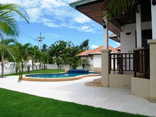Comfortable 3 bedroom Villa in Khao Tao - Khao Tao vacation rentals