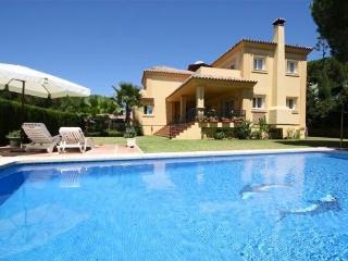 luxury 4 bed villa private pool excellent location - Elviria vacation rentals