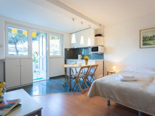Lovely Studio with Internet Access and A/C - Dubrovnik vacation rentals
