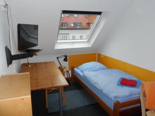 200single-room.Wi-Fi.kitch.pricemightbedifferent. - Hannover vacation rentals