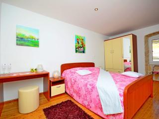 Room 1 Villa Capo - Split vacation rentals