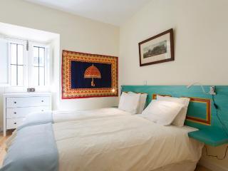 Chanceler Corner Apartment | RentExperience - Lisbon vacation rentals