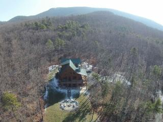 Nice Cabin with Internet Access and A/C - Crimora vacation rentals