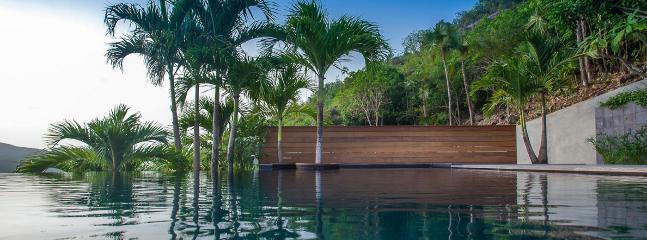 Villa Apache 4 Bedroom SPECIAL OFFER - Saint Jean vacation rentals