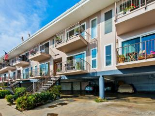 Island Paradise~~Beautiful Condo on Glorietta Bay! - Coronado vacation rentals