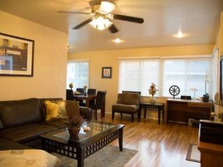 The Pacific Beach 2 Bedroom Bungalow - Pacific Beach vacation rentals