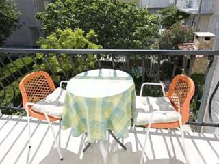 1 bedroom Apartment with Internet Access in Baska Voda - Baska Voda vacation rentals