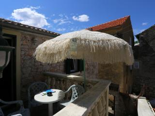 Island stone house for 4 - Sutomiscica vacation rentals
