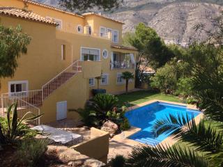 Altea villla , near to golf, beach,quiet surrounds - Altea la Vella vacation rentals
