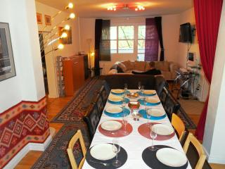 Gallery Guest Houses Berlin Central at Checkpoint - Berlin vacation rentals