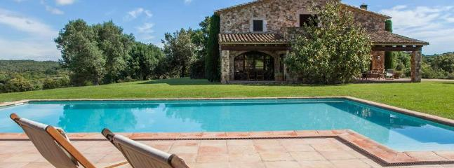 Amazing villa with total seclusion - Mont-ras vacation rentals