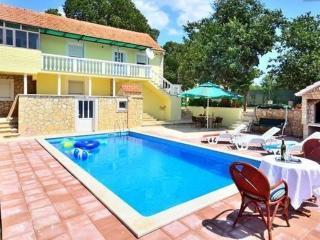 Entire Private Stone Pool Villa- 20 min to Split - Split vacation rentals