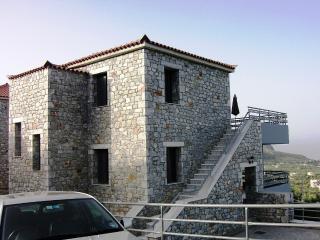 Nice 5 bedroom Aghios Nikolaos House with Internet Access - Aghios Nikolaos vacation rentals