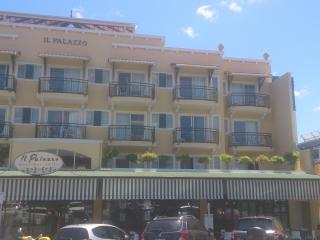 1 bedroom Condo with Internet Access in Cairns - Cairns vacation rentals