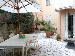 Apartment in 19th century villa in central Cannes - Cannes vacation rentals