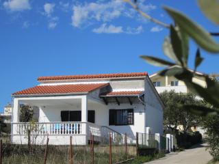 Private house Mirta - Pakostane vacation rentals