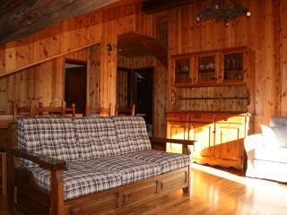 Cozy 2 bedroom Apartment in Brusson with Internet Access - Brusson vacation rentals