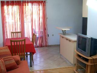 Nice Apartment with Internet Access and A/C - Zman vacation rentals