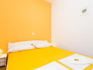 Double bed room with bathroom 1 km from center - Dubrovnik vacation rentals