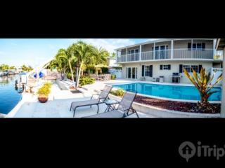 Luxurious 4 Bedroom, 3.5 Bathroom Key Largo House with Pool, Channel & Dock - Key Largo vacation rentals