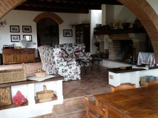 Perfect 4 bedroom Farmhouse Barn in Calvi dell'Umbria with Television - Calvi dell'Umbria vacation rentals