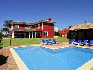 Wonderful villa - Sao Bartolomeu de Messines vacation rentals