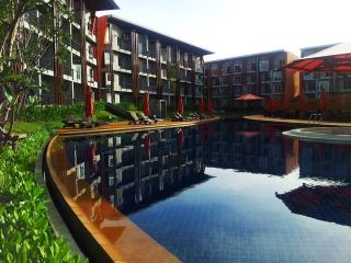 Samui 1BR Condo, 52 m2, walk to beach ! - Surat Thani vacation rentals